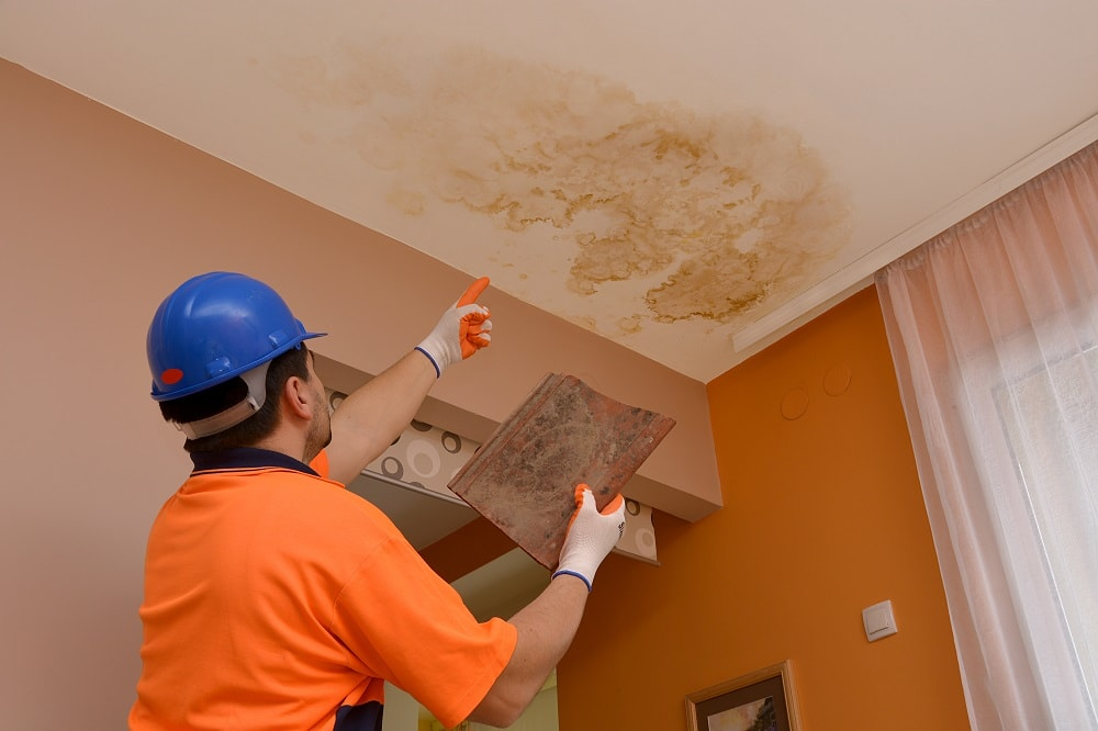 Does Homeowners Insurance Cover A Leaking Roof